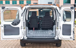 Wide-opening rear doors on Citroen Nemo