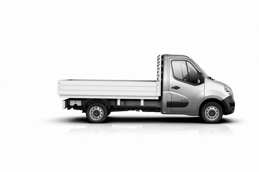Nissan NV400 chassis cab tipper side view