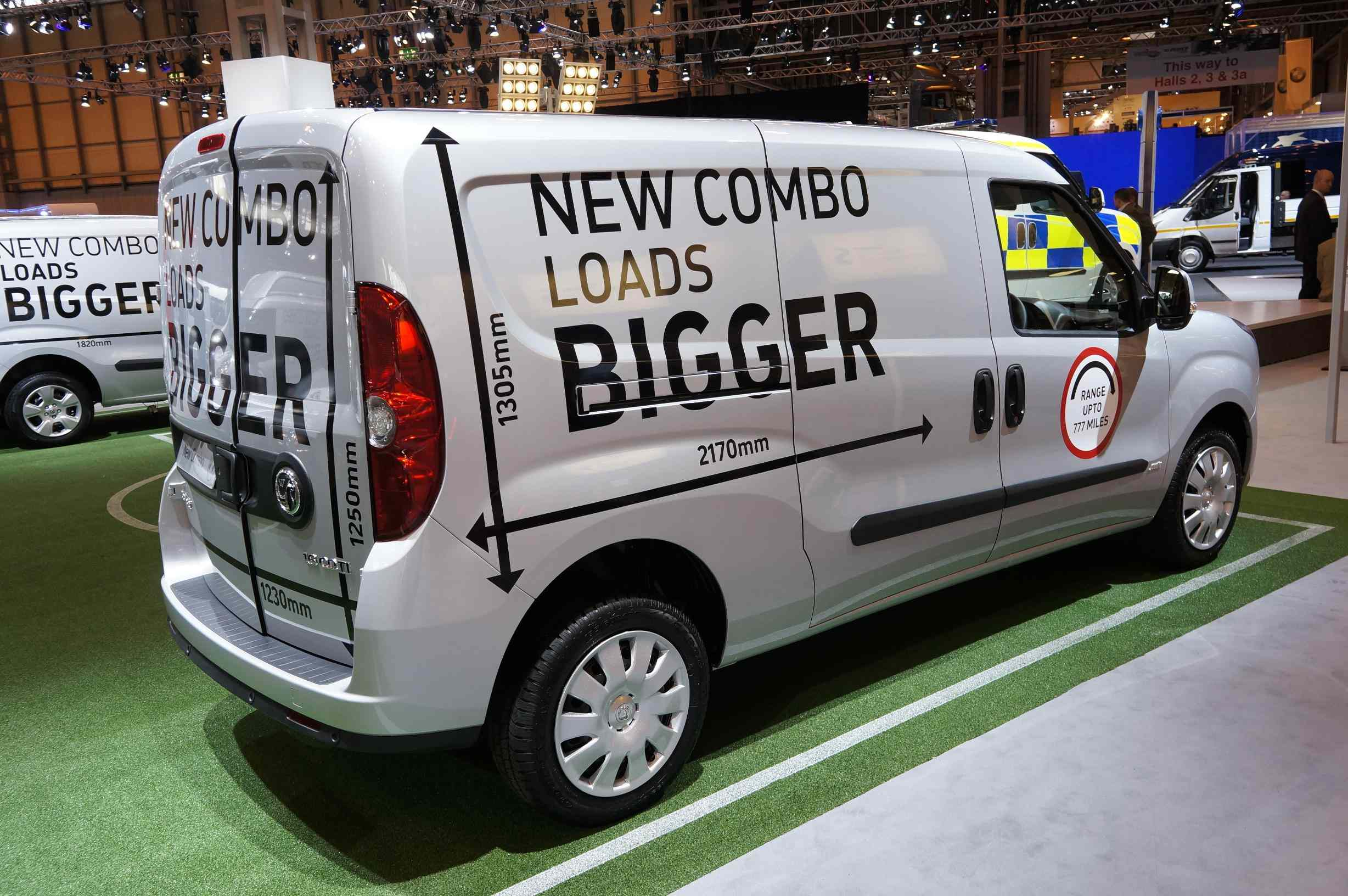 citroen takes flight to coventry and other cv show gossip vauxhall combo at the cv show