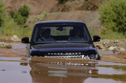 Range Rover L322 Autobiography >> New Range Rover on test: could this be the world's most capable car? | Business Car Manager