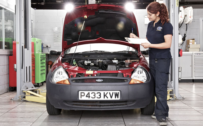 1058_This_new_package_combining_servicing__roadside_assistance_and_an_annual_inspection_will_benefit_customers_driving_Fords_of_any_age_or_mileage_Ford_43094