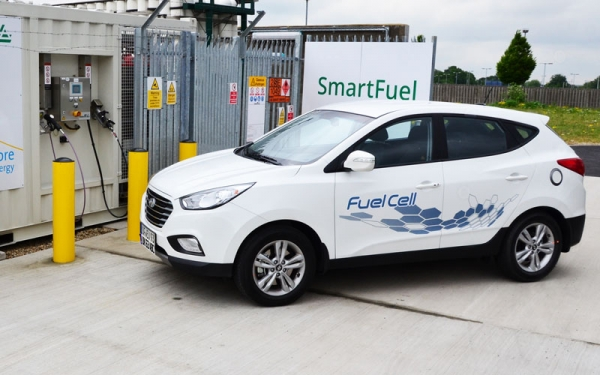 Hydrogen fuel cell re-fuelling