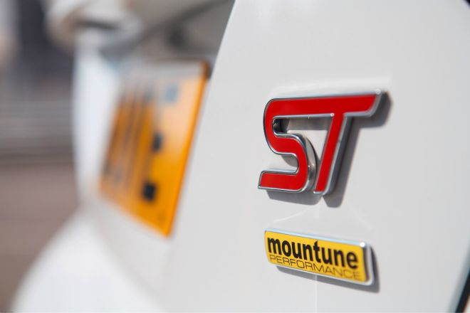 Ford Focus ST Mountune badge