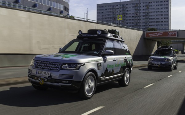 Range Rover diesel hybrid car review_action