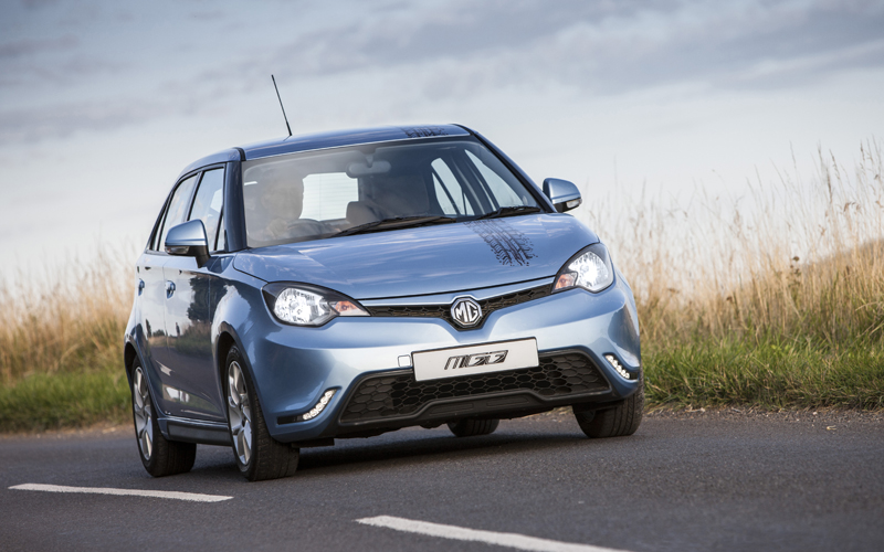 MG3_car_review_action