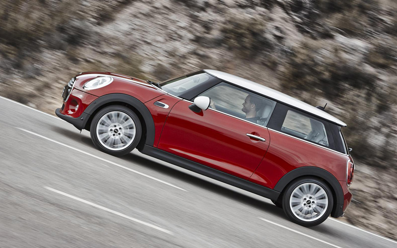 New Mini Powers Ahead On 3 Cylinders Business Car Manager
