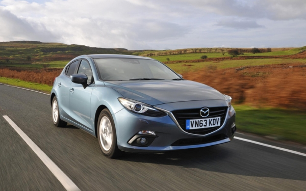 Mazda3_review_action