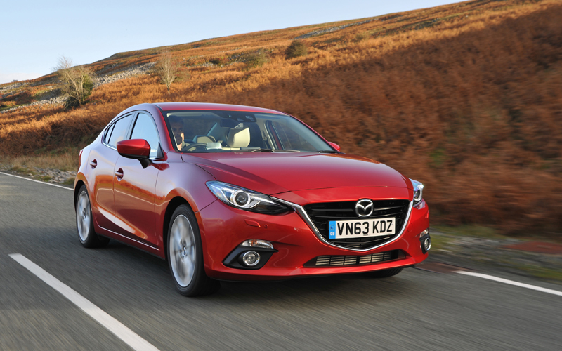 681_Mazda3_review_action2