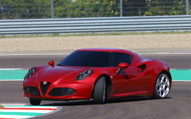 680_Alfa_Romeo_4C_car_review_sideways