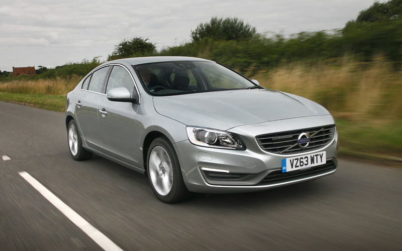 681_Volvo_S60_D4_car_review_action