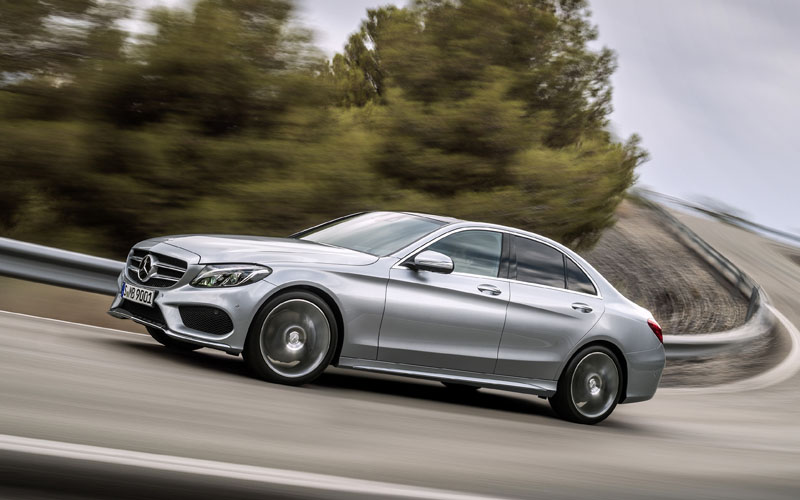 698_Mercedes_C Class_review_action1