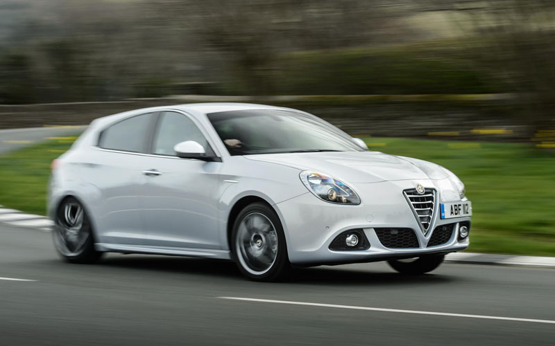 710_Alfa_Romeo_Giulietta_review_action2