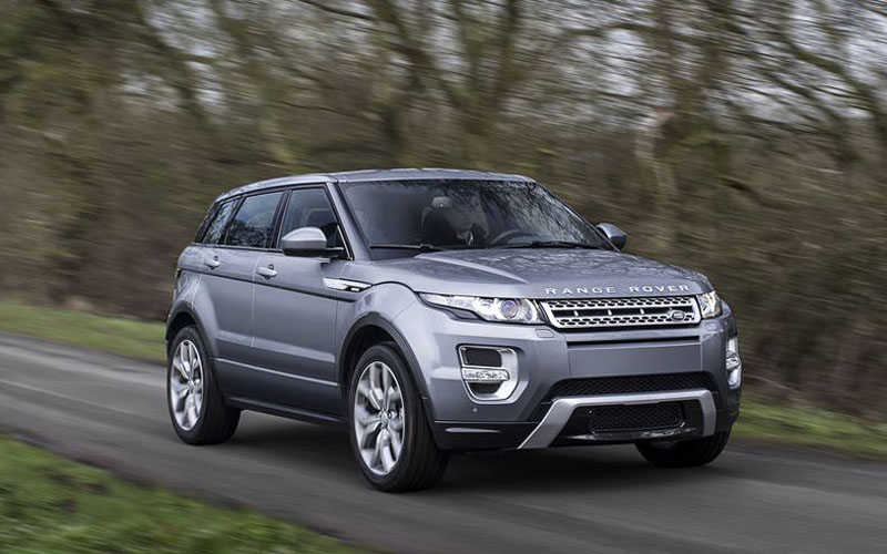 Evoque_review_action2