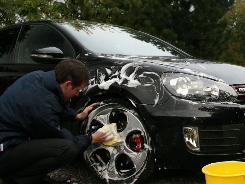 Car cleaning 800