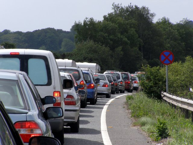 Bank_holiday_weekend_traffic_jam_on_the_A31T_New_Forest_ _geograph.org_.uk_ _4463431
