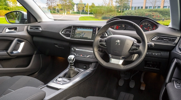 peugeot 308 allure thp 130 s s review new age petrol business car. Black Bedroom Furniture Sets. Home Design Ideas