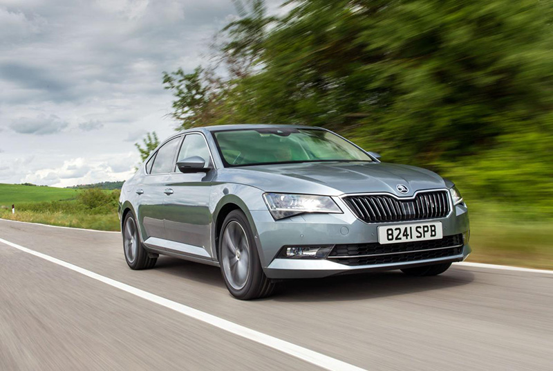 skoda superb hatch 2 0 tdi se business 150 ps review. Black Bedroom Furniture Sets. Home Design Ideas