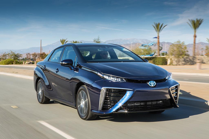Toyota_Fuel_Cell_Vehicle_041
