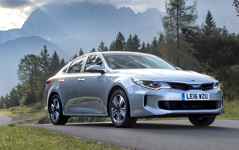 Kia Optima Hybrid saloon front