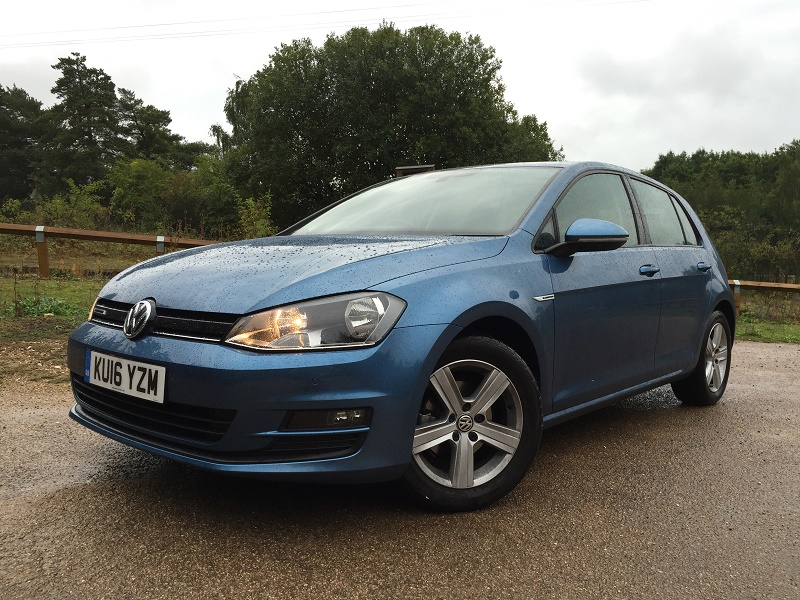 VW Golf 1 Bluemotion front