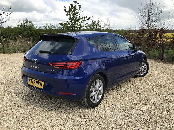 seat leon 1 0 tsi ecomotive review business car manager. Black Bedroom Furniture Sets. Home Design Ideas