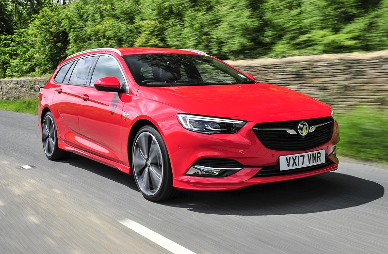 Insignia Sports Tourer front dynamic