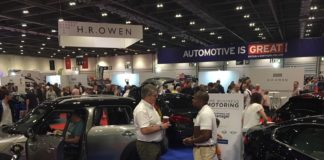 Business Motoring Stand
