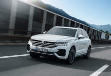 VW Touareg moving 1