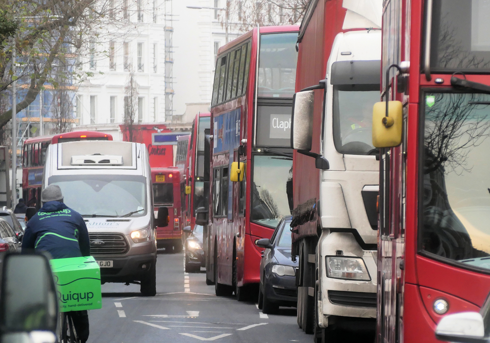 London ULEZ to extend to North and South circular roads Brian Minkoff Shutterstock.com_