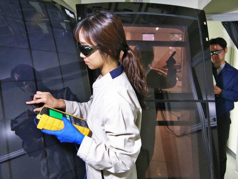 Engineers develop solar panel technology for cars
