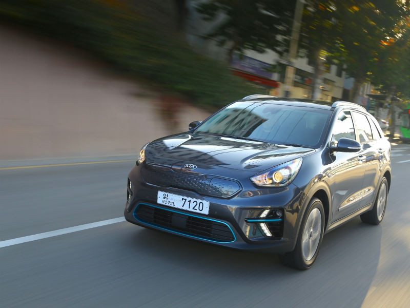 Kia e Niro driving picture