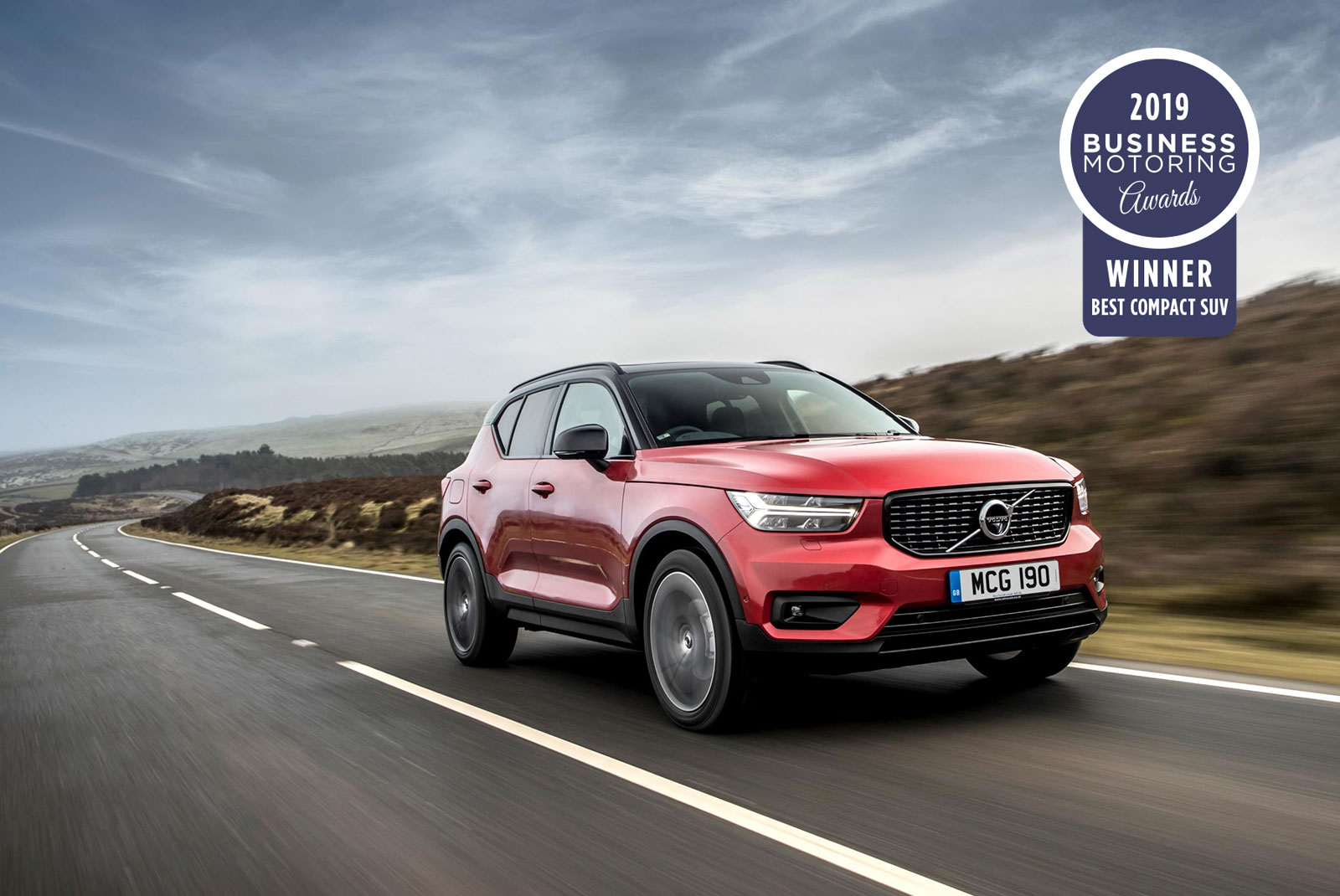 best compact suv volvo xc40 momentum t3 manual