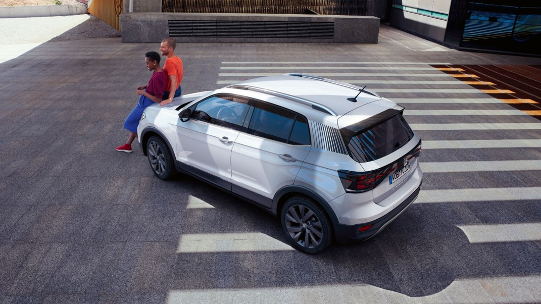 rear t cross first edition