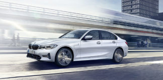 3series saloon inform phev dt 1680x756 1
